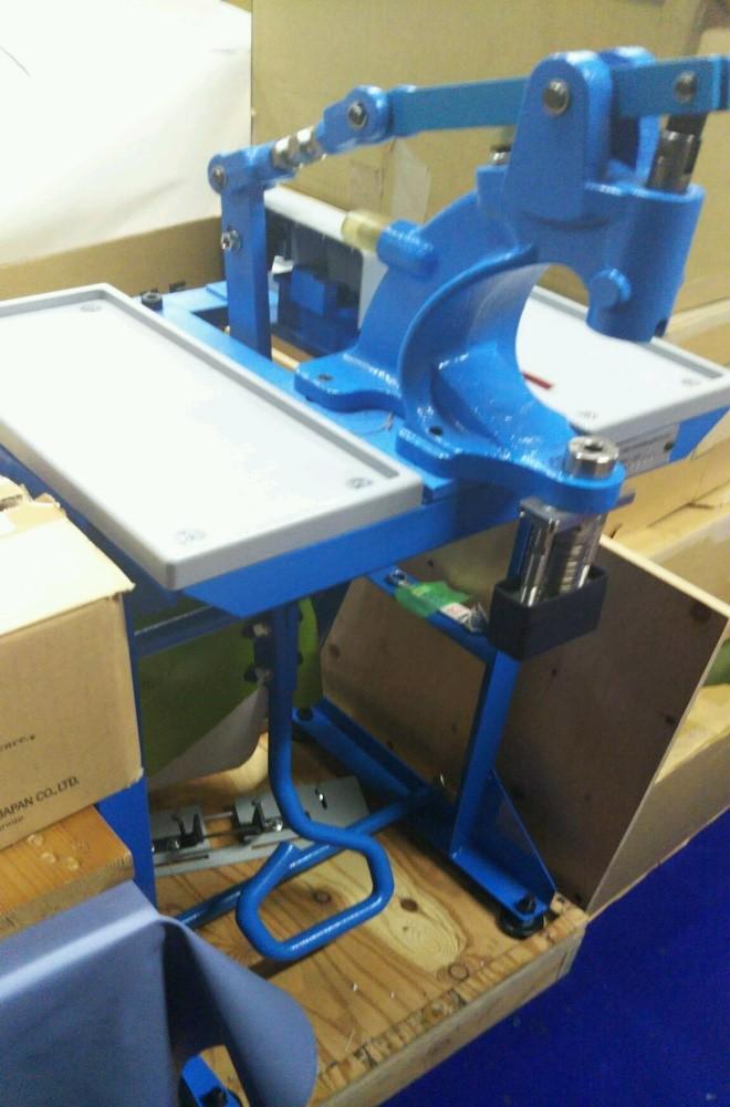 革のトレーの製作工程