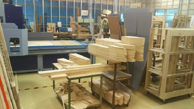 ソファをヒノキ合板で造る木工工程