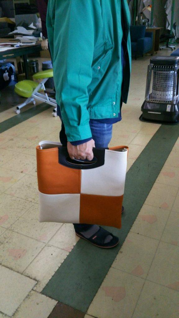 革のパッチワーク手提げバッグ